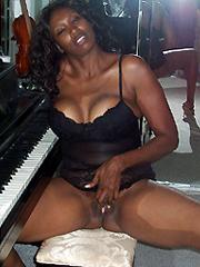 Ebony erotic lady