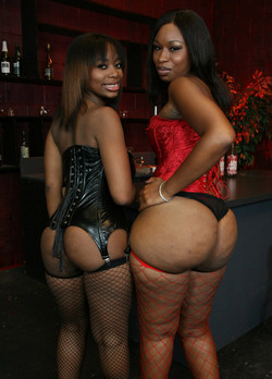 Foxy ebony MILFs in the stockings..