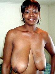 busty nude fit women